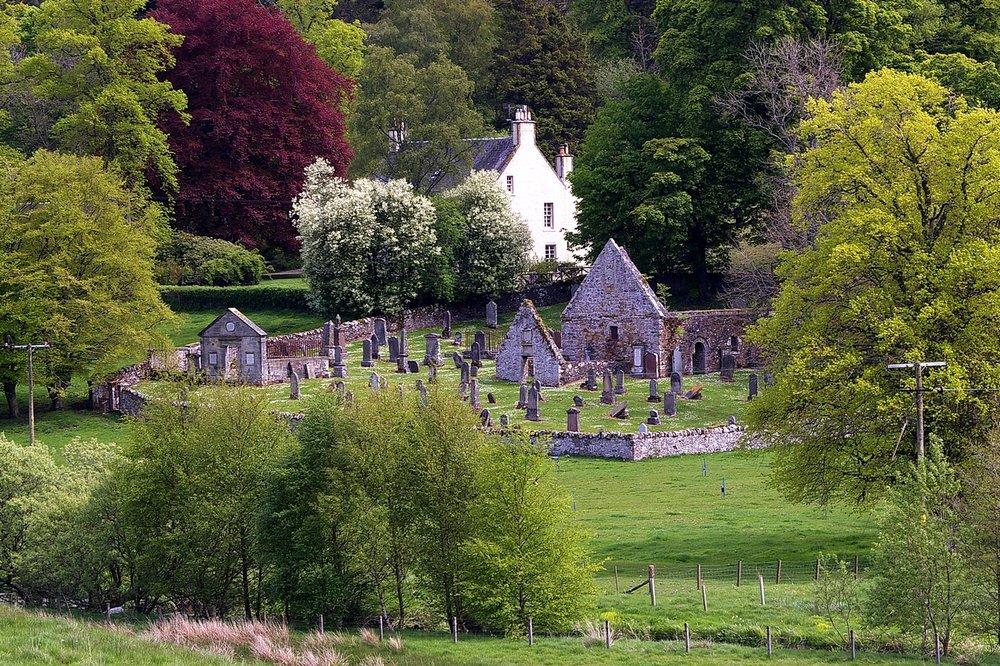 Old Newlands Kirk and Graveyard