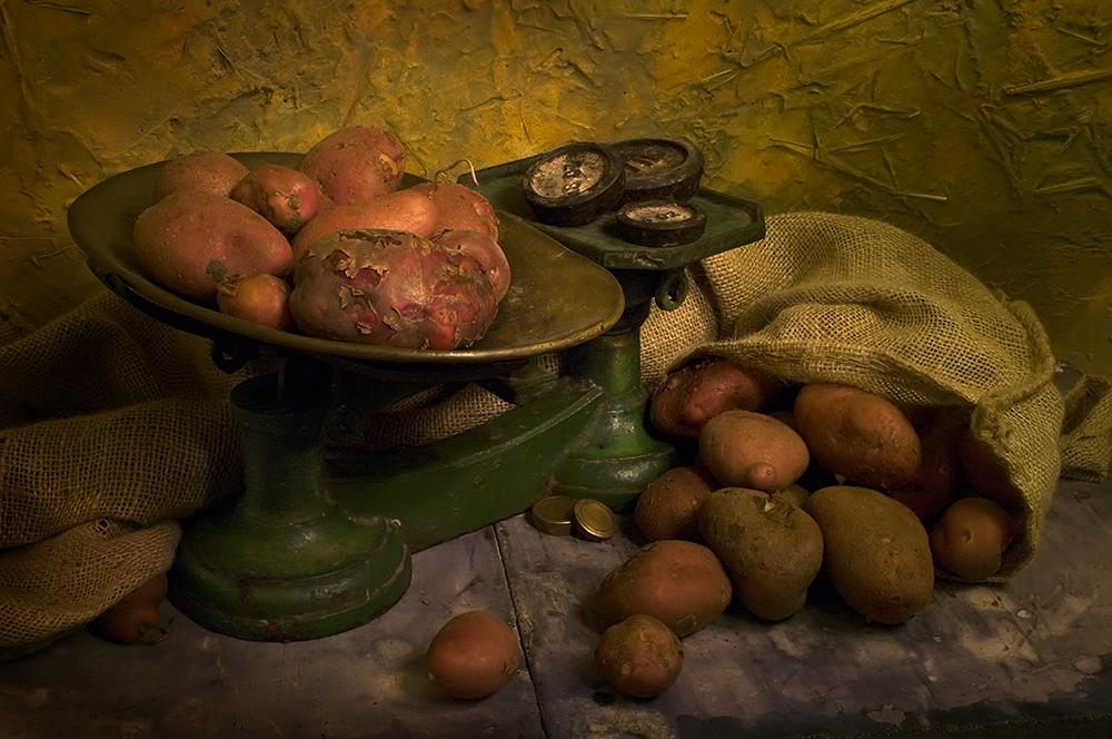 Weighing Potatoes