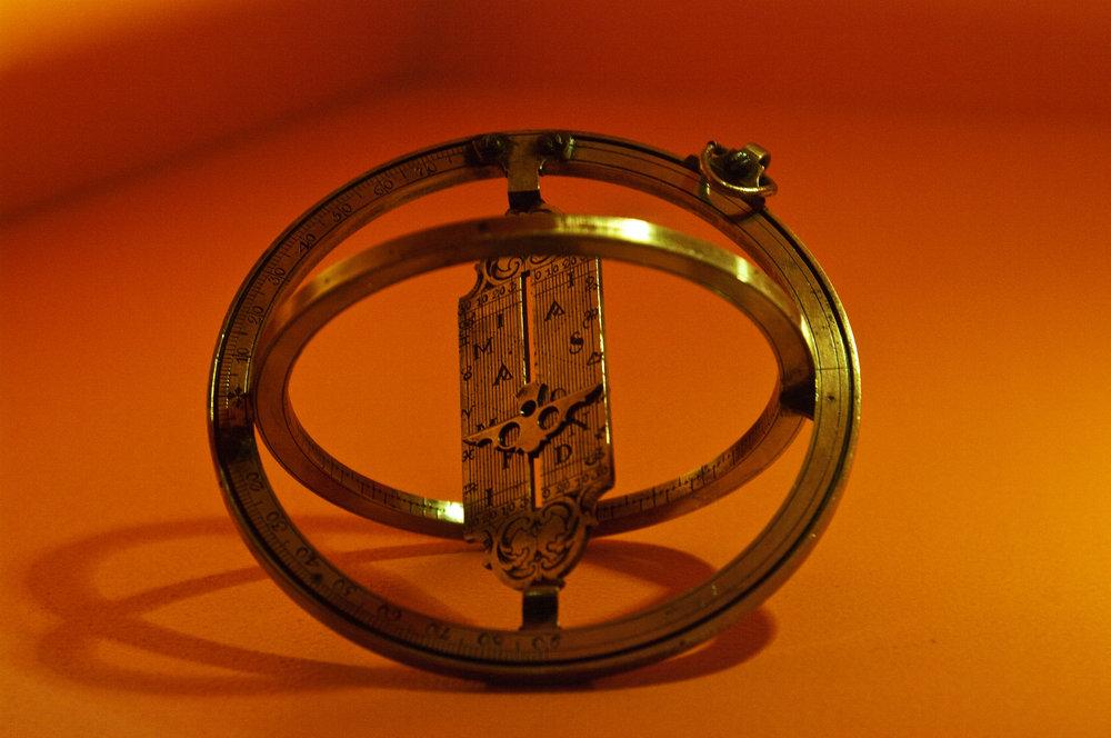 Portable sundial