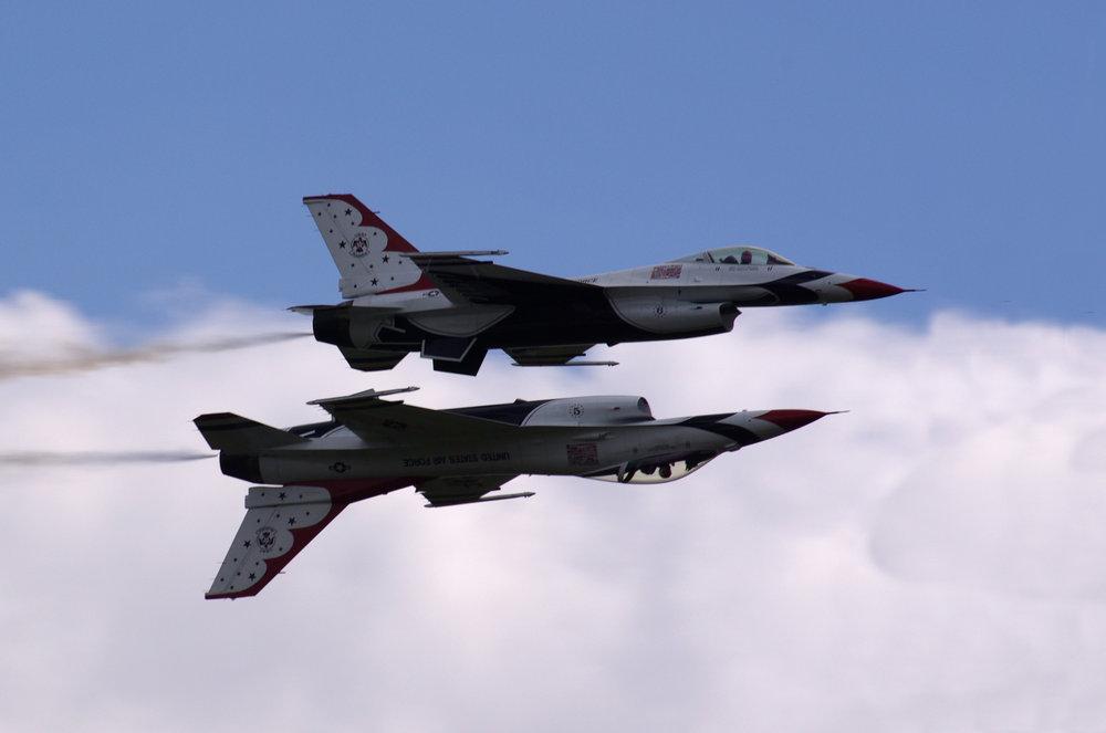 Thunderbirds - Mirror Flying