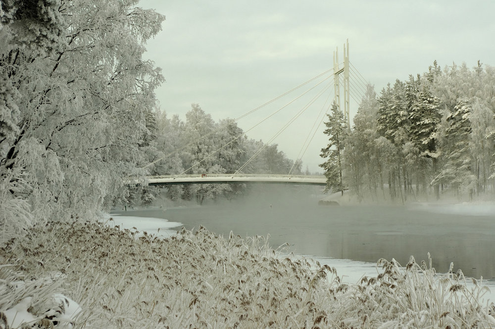 Bridge over the cold water