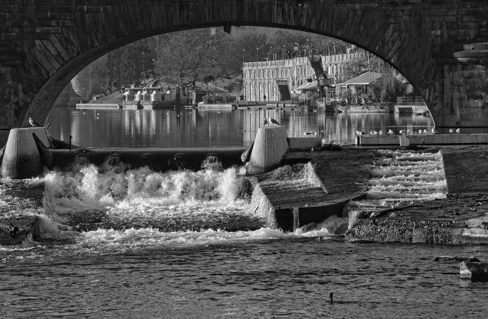 Under the Bridge over Po