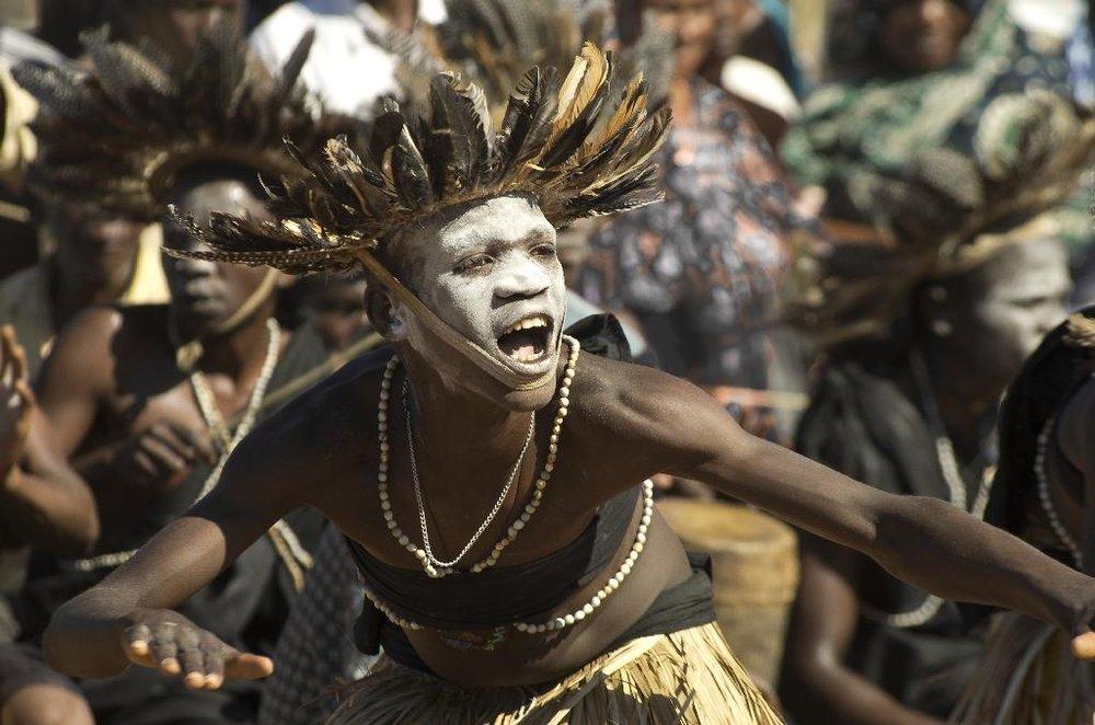Makondi dancers