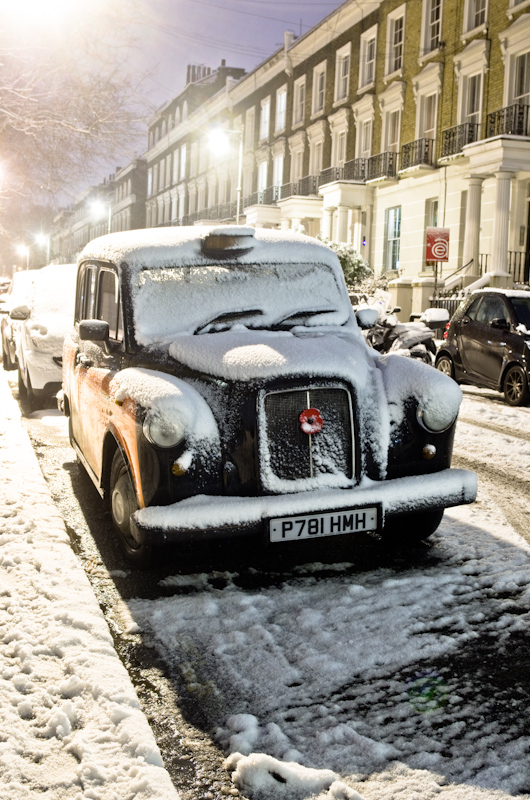 London cab - snow day (night)
