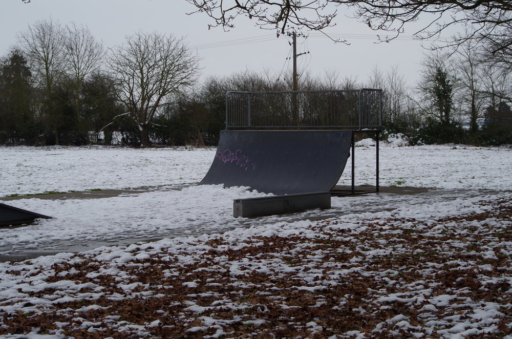Skate ramp in the snow