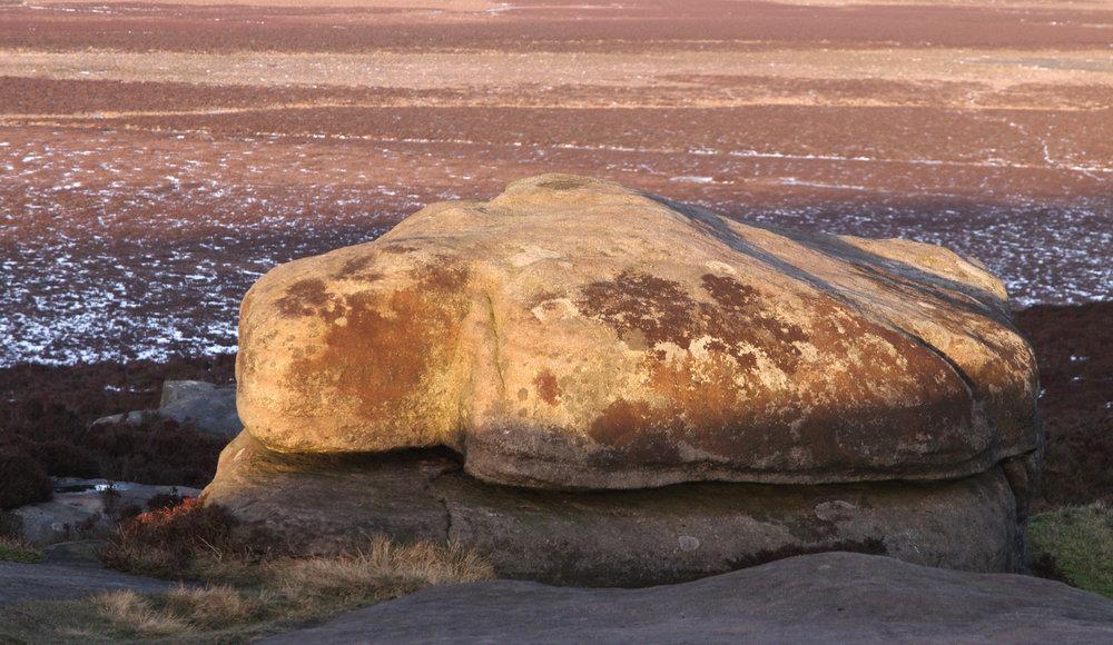 stanage edge boulder