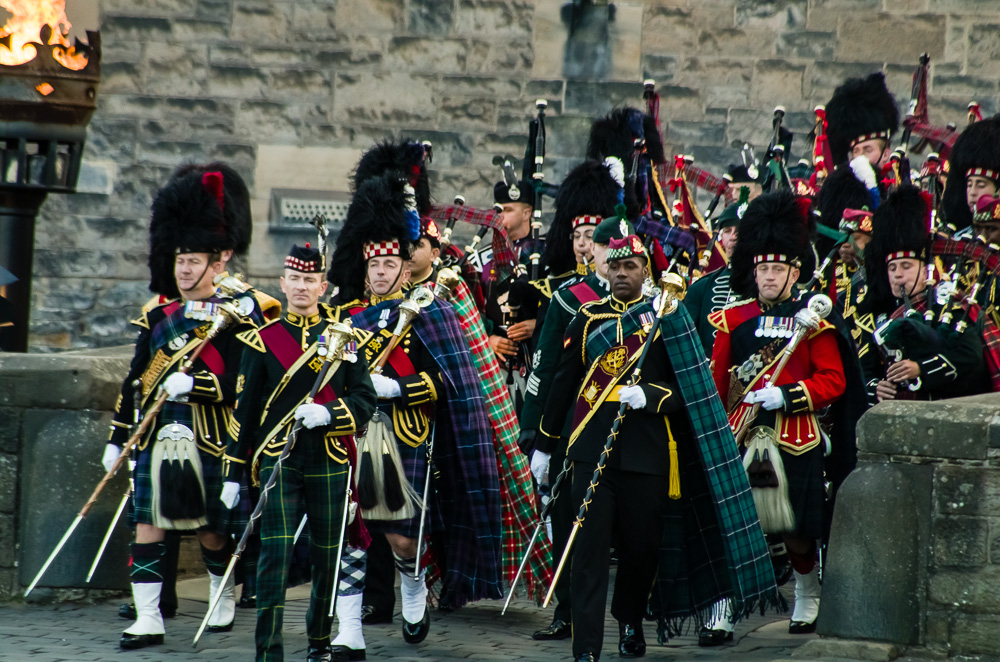 Enter The Pipers