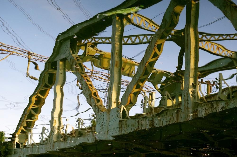 Melting bridge