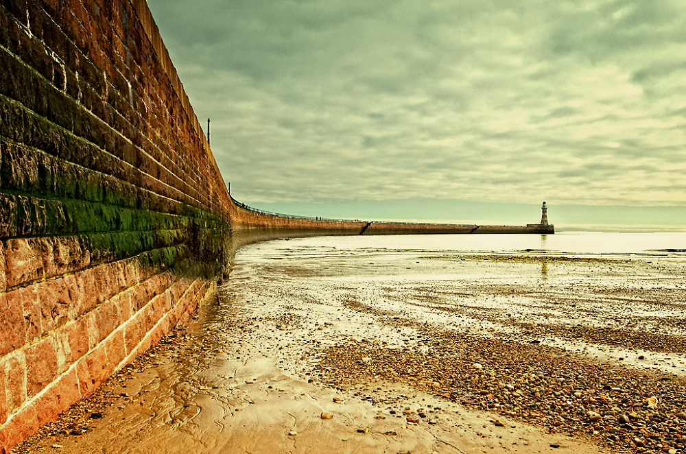 Low Water at Roker