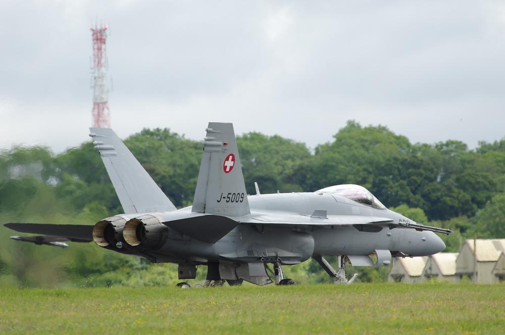 RIAT 2014 - Hornet returning after display