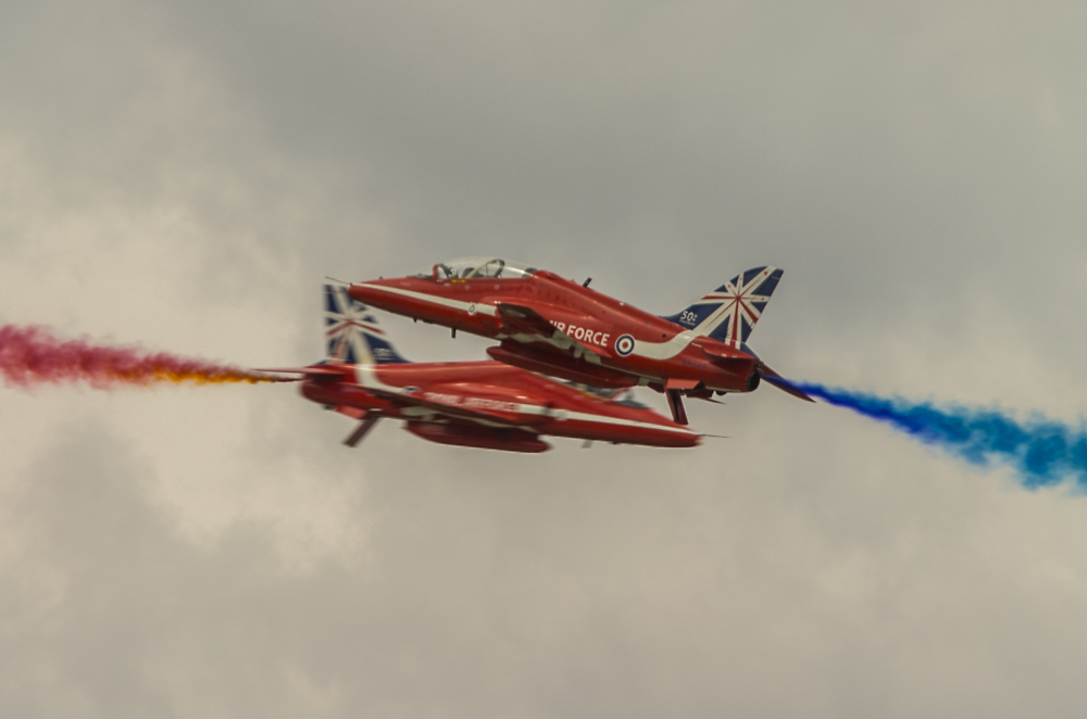 The Red Arrows - Synchro Pair