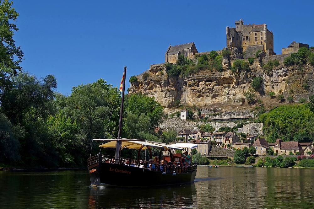 Boating on the Dordogne
