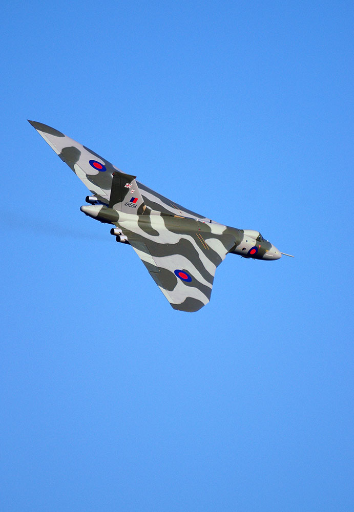 XH558 last display flight