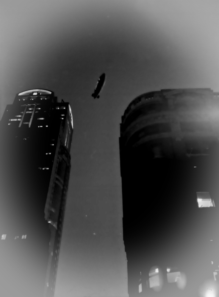 Imminent attack on the American city of Seattle by a time-warped British airship