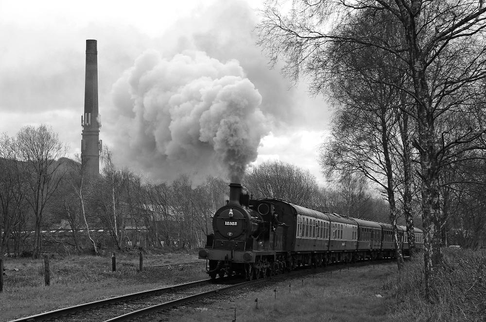 "LYR ""A"" Class 12322 leaving Ramsbottom"