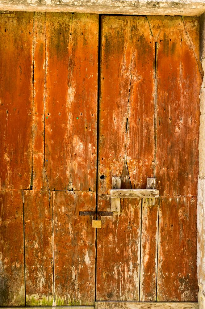 old door in sicily