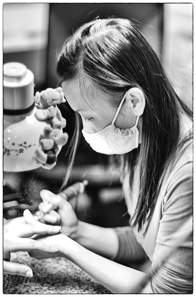 Vietnamese nail artist
