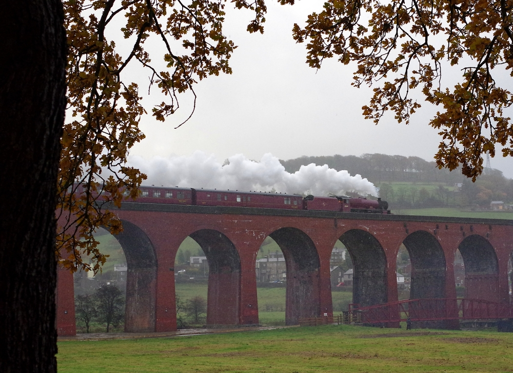 """45699 """"Galatea"""" on Whalley Arches"""