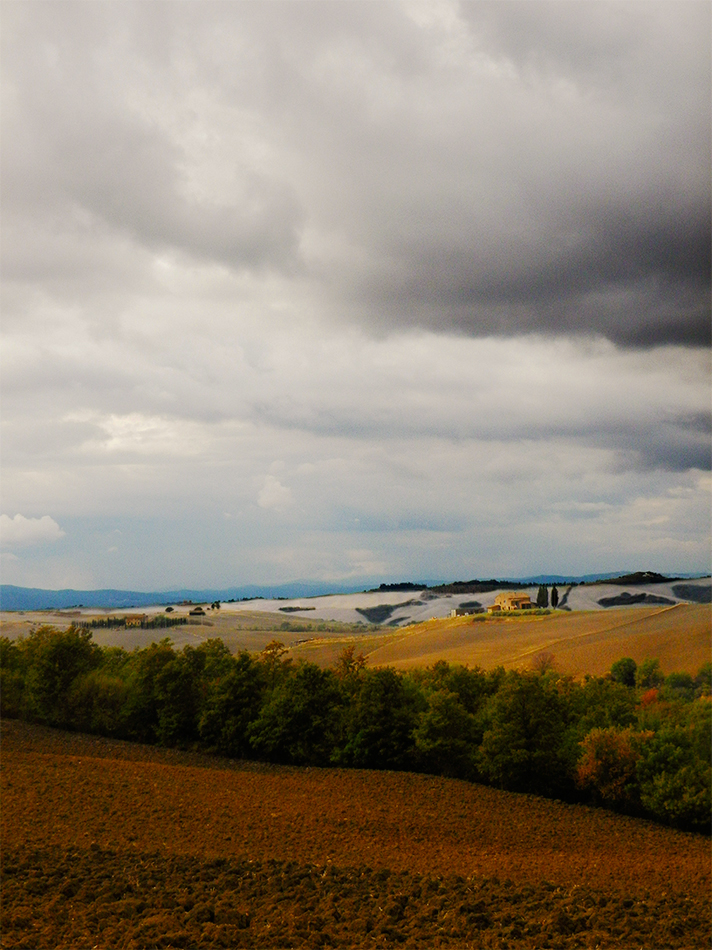 Cloudy on Crete Senesi