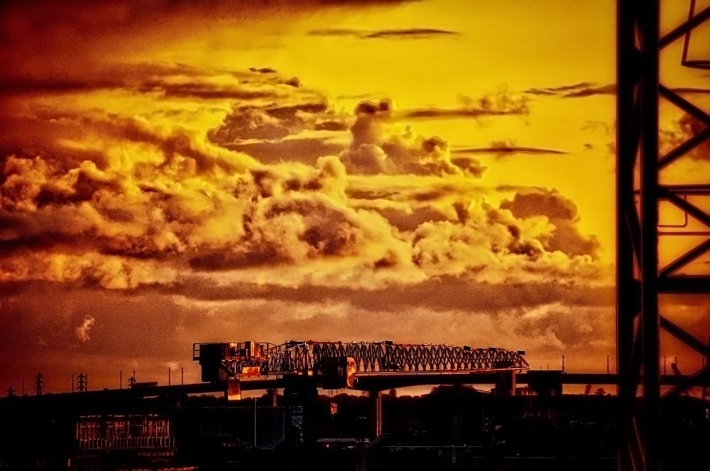 The Golden Apocalypse Steampunk Millipede Express