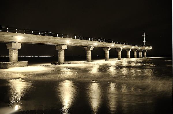 Pier into the dark