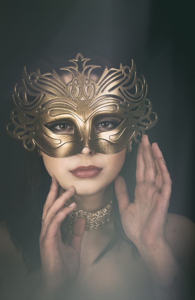 Katz in a Mask
