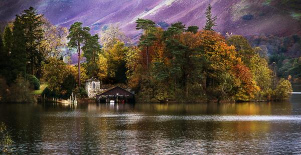 Onset of Autumn Derwent Water