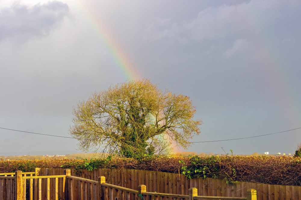 Rainbow to the north of Sully