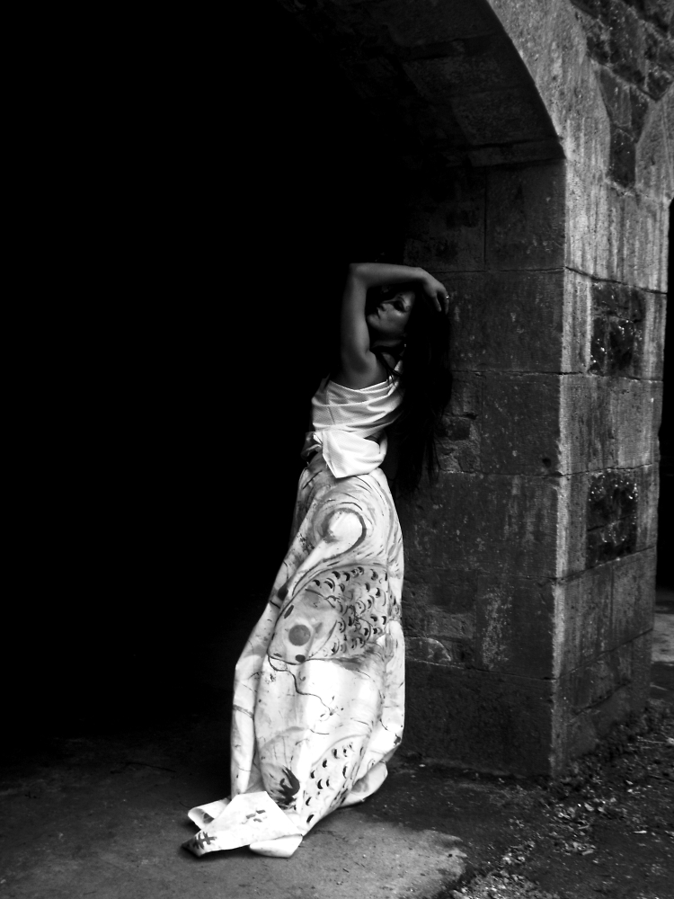 Geisha Black and White