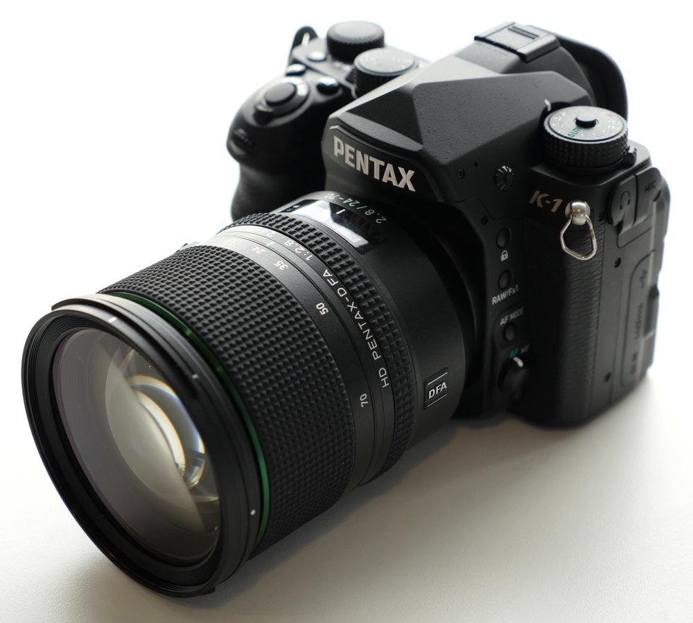 Pentax FA 24 70mmP1010224
