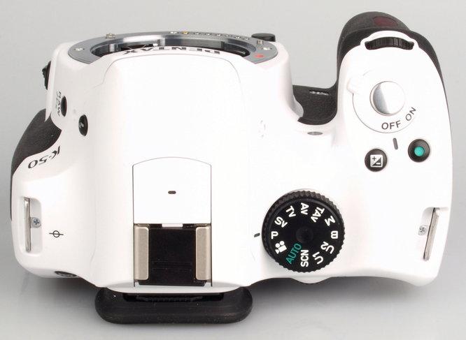 Pentax K-50 White Large (6)