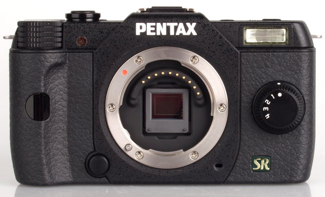 Pentax Q7 Black (1)