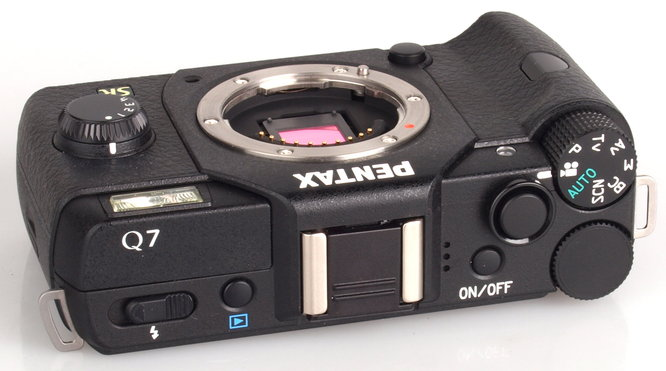 Pentax Q7 Black (5)
