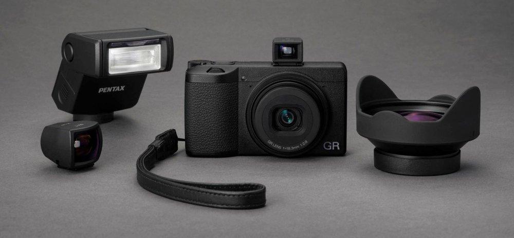 GR III Visuals (6) 001