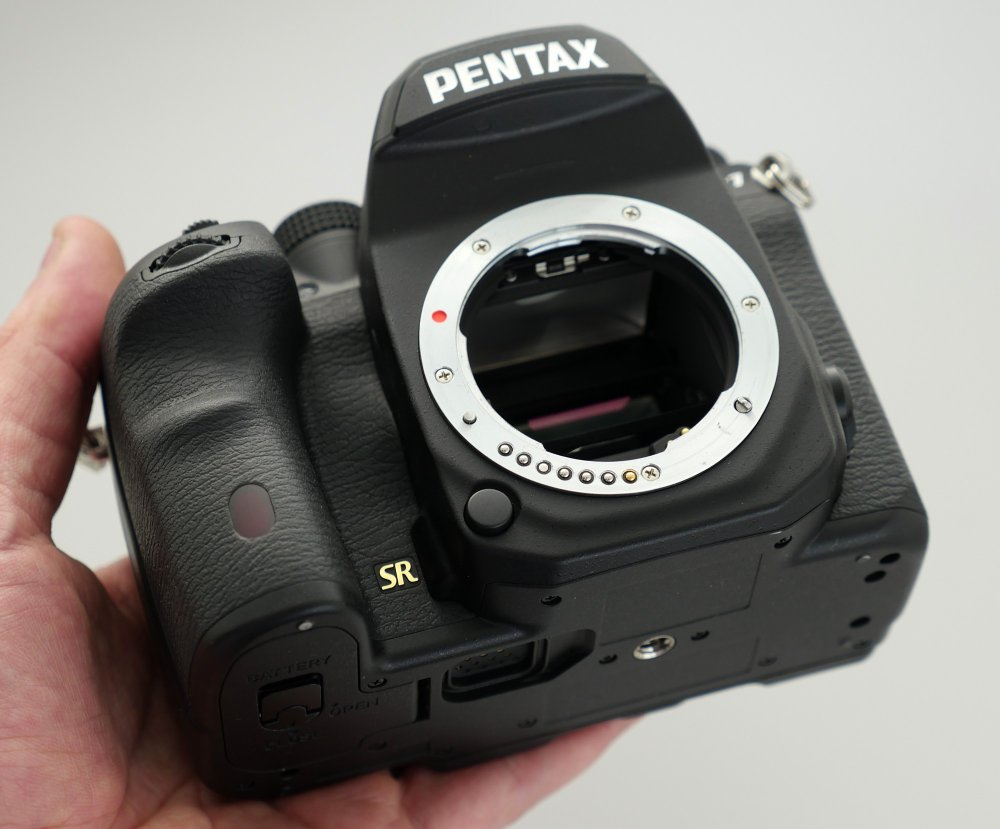 Pentax K 1 In Hand (6)